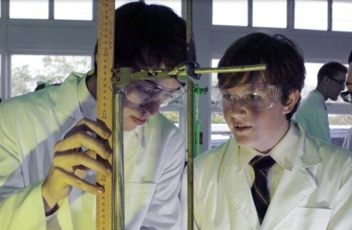 Kedron SHS: Chemieunterricht