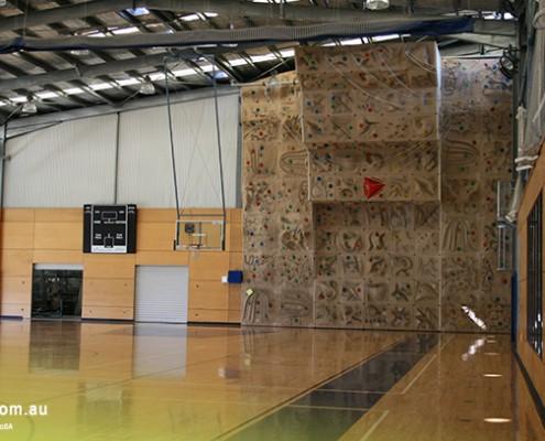 Yeronga SHS: Sporthalle mit Kletterwand
