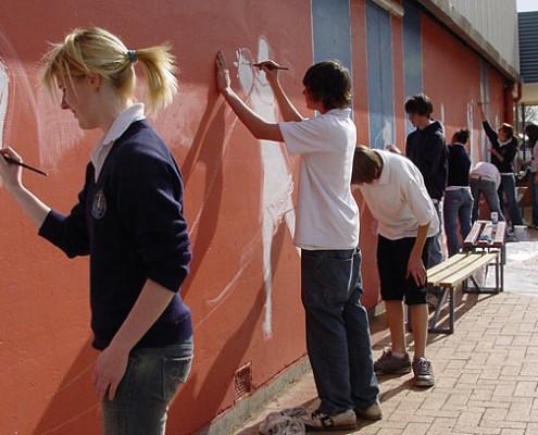 Mount Gambier HS: Community Mural Painting