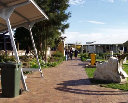 Mount Gambier HS: School Grounds