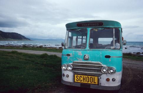 Schulbus am East Cape in Neuseeland